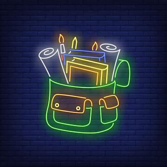 Rucksack mit briefpapierleuchtreklame