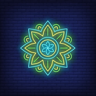 Runde mandalamuster-leuchtreklame. meditation, spiritualität, yoga.