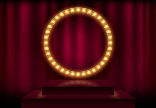 Runder rahmen mit leuchtenden, glänzenden glühbirnen, vektorillustration. glänzendes partybanner auf rotem vorhanghintergrund und bühnenpodium. schild mit lampenrand für lotterie, casino, poker, roulette.