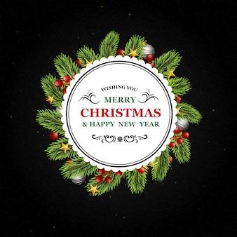 Runder weihnachtshintergrund mit tannenzweigen, bällen und süßigkeitselementen