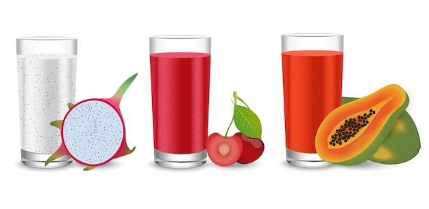 Saft im glas mit einer auswahl an drachenfruchtkirsche und papayafrucht