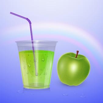 Saft, smoothie-tasse, 3d-illustration. realistischer plastikbecher mit apfelsaft