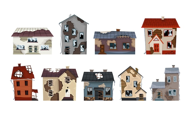 Sammlung alter verwitterter häuser und wohnungen. verlassenes haus in schlechtem zustand. schlechte alte problemgebäude mit beschädigtem dach, schäbigen wänden und äußeren. satz von isoliertem vernachlässigtem eigentum.