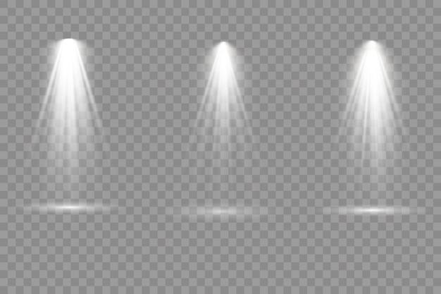 Sammlung von bühnenbeleuchtungsscheinwerfern, szene, bühnenbeleuchtung große sammlung, projektorlichteffekte, hellweiße beleuchtung mit scheinwerfern, scheinwerfer isoliert auf transparentem hintergrund,