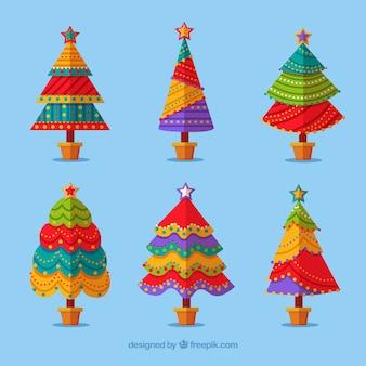 Sammlung von bunten weihnachtsbäumen