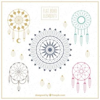 Sammlung von dreamcatchers mit fantastischen designs