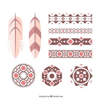 Sammlung von ethnischen ornamenten und federn