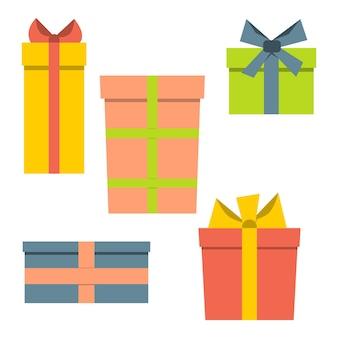 Sammlung von fünf mehrfarbigen geschenkboxen. vektor-illustration