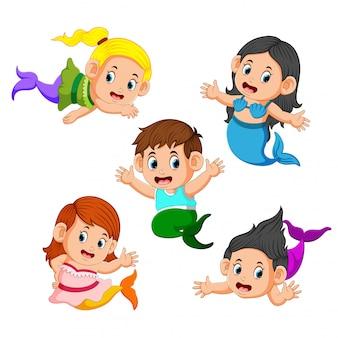 Sammlung von kindern, die meerjungfrau-kostüme tragen