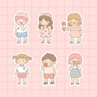 Sammlung von niedlichen kindern lokalisiert auf rosa