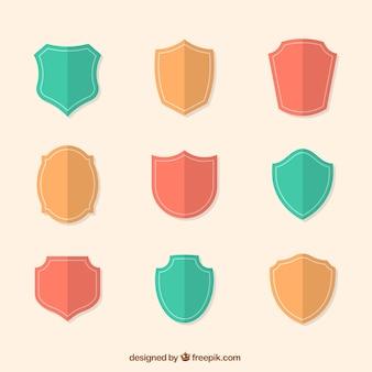 Sammlung von wappenschilde in flaches design