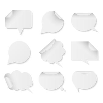 Sammlung weißbuchspracheblasen auf weißem hintergrund