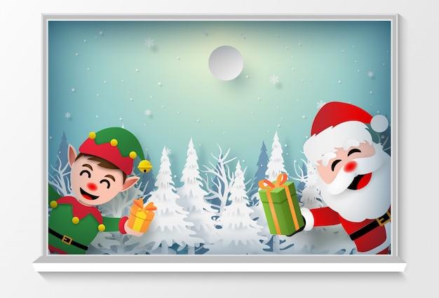 Santa claus und elf am fenster, um ein geschenk zu geben