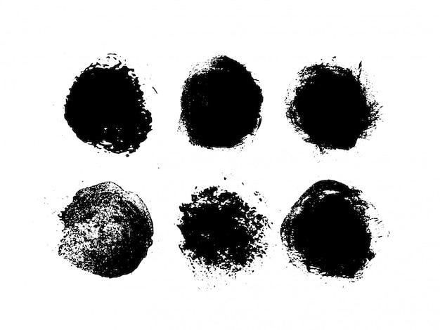 Satz abstrakte tinte auf einem weißen hintergrund. hand gezeichneter schwarzer schmutzkreis. hochwertiges werkstück.