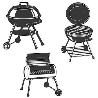 Satz der grills auf weißem hintergrund. elemente für restaurantmenü, plakat, emblem, zeichen. illustration.