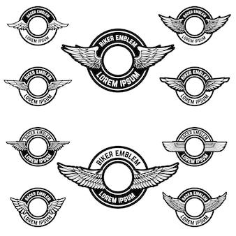 Satz der leeren embleme mit flügeln. elemente für logo, etikett, abzeichen, zeichen. illustration