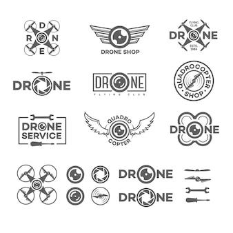 Satz drohnen- und quadrocopter-logo lokalisiert auf weißem hintergrund und drohnenelement und -ausrüstung.