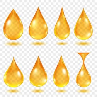 Satz durchscheinende wassertropfen in gelben farben in verschiedenen formen, einzeln auf transparentem hintergrund. transparenz nur im vektorformat