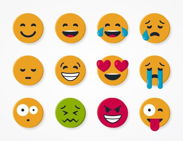 Satz einfache runde gelbe emoticons. von einem lächelnden gesicht für chats im flachen stil
