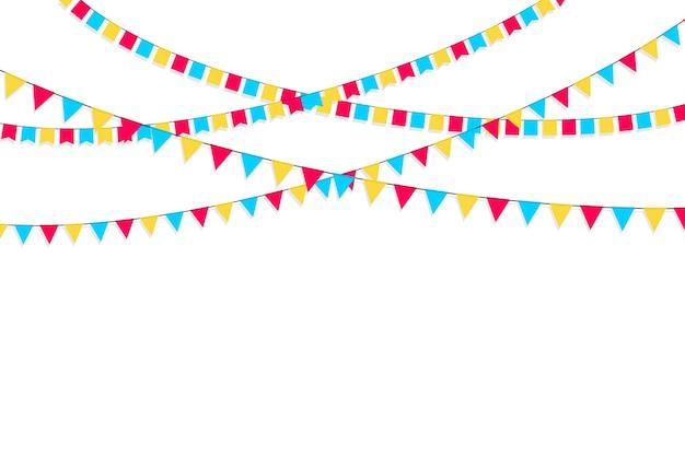 Satz flaggengirlanden. karnevalsgirlande mit fahnen. dekorative bunte partywimpel für geburtstagsfeiern, festivals und messedekorationen. feiertagshintergrund mit hängenden flaggen.