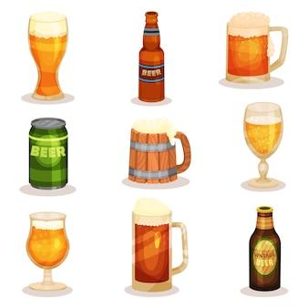 Satz flaschen, gläser und becher bier. alkoholisches getränk. elemente für werbeplakat oder banner der brauerei
