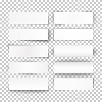 Satz gebogener weißer papierfahnen auf transparentem hintergrund. illustration.