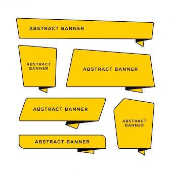 Satz gelbes abstraktes banner, das in unterschiedlicher form entworfen wird. entworfen im gefalteten papierstil.