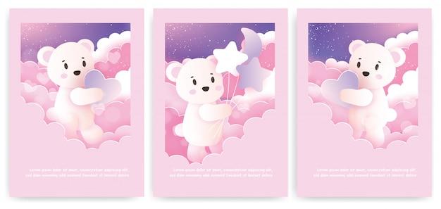 Satz grußkarten mit niedlichem teddybär in pastellfarbe.