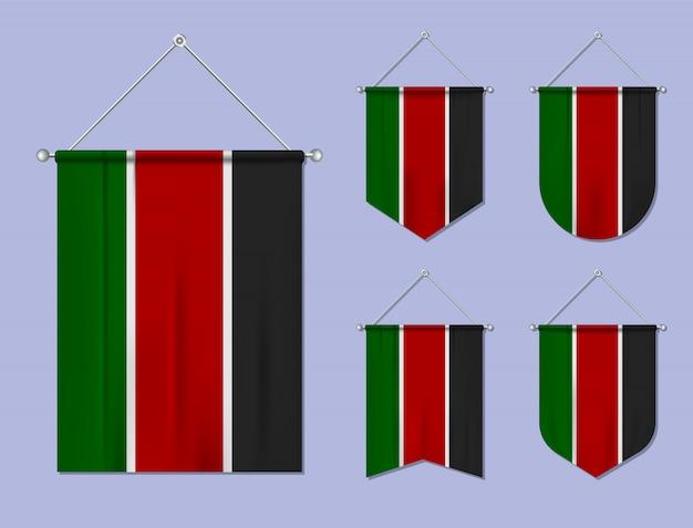 Satz hängende flaggen kenia mit textilbeschaffenheit. diversitätsformen des nationalflaggenlandes. vertikaler schablonenwimpel