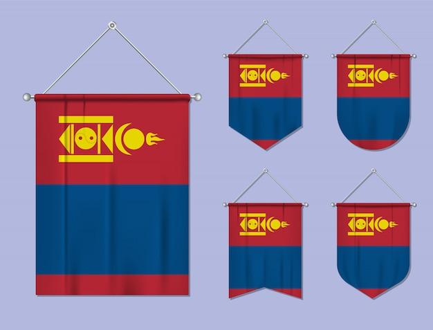 Satz hängende flaggen mongolei mit textilbeschaffenheit. diversitätsformen des nationalflaggenlandes. vertikaler schablonenwimpel