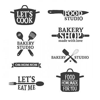 Satz handgefertigte vintage-retro-abzeichen und -logoelemente, retro-symbole für bäckerei, kochclub, lebensmittelstudio oder hausmannskost. schablonenlogo mit silhouette besteck. .
