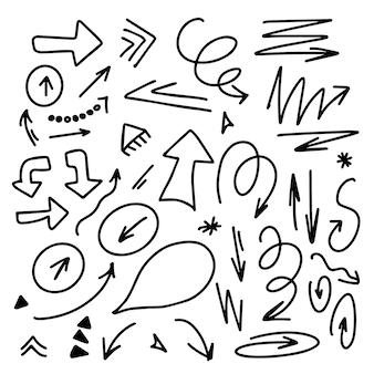 Satz handgezeichnete infografikelemente pfeile kreise und abstrakter gekritzelschreibdesignsatz.