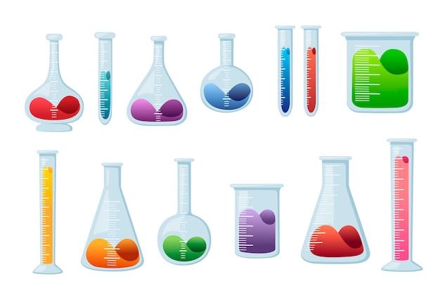 Satz laborchemieflaschen mit unterschiedlicher größe und form und gefüllt mit flüssiger flacher vektorillustration lokalisiert auf weißem hintergrund.