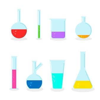 Satz laborkolben chemische glasröhrchen und becher voll unterschiedlicher flüssigkeit