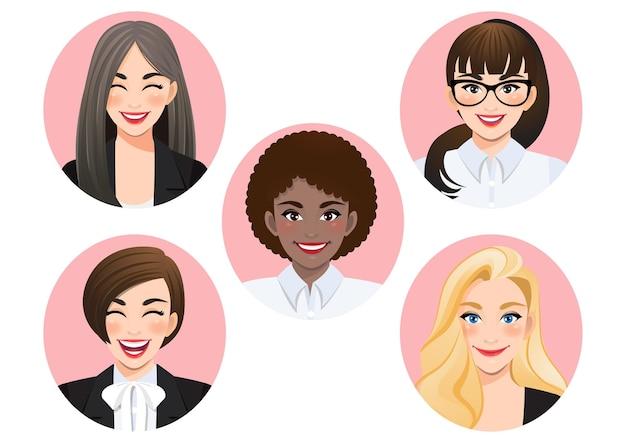 Satz lächelnde verschiedene geschäftsfrauen