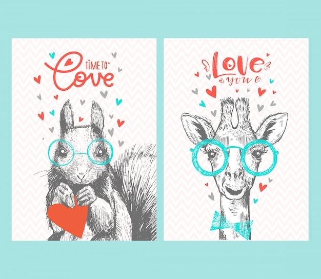 Satz niedliche hipster-tiere mit herzen, schriftzug liebe, brille und fliege. giraffe und eichhörnchen