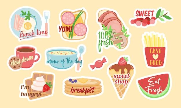 Satz niedliche vektoraufkleber von verschiedenen köstlichen gerichten mit stilvollen inschriften, die als konzept des leckeren und nährstoffreichen essens entworfen werden