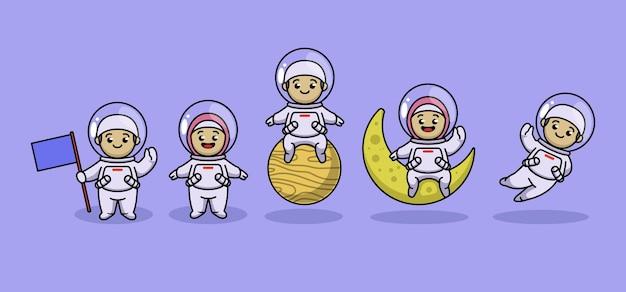 Satz niedliches muslimisches kind im astronautenkostüm
