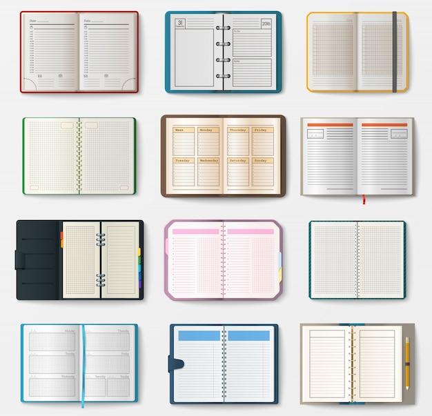 Satz offener notizbücher mit seiten