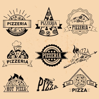 Satz pizza-etiketten und abzeichen im vintage-stil. logo, symbole, embleme und designelemente für das pizzeria-restaurant.