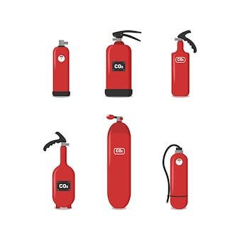 Satz rote feuerlöscher, symbole - sicherheitssymbol - schutzausrüstung - notzeichen. feuerlöscher verschiedener typen, um die sicherheit des gebäudes zu gewährleisten und menschen zu schützen.