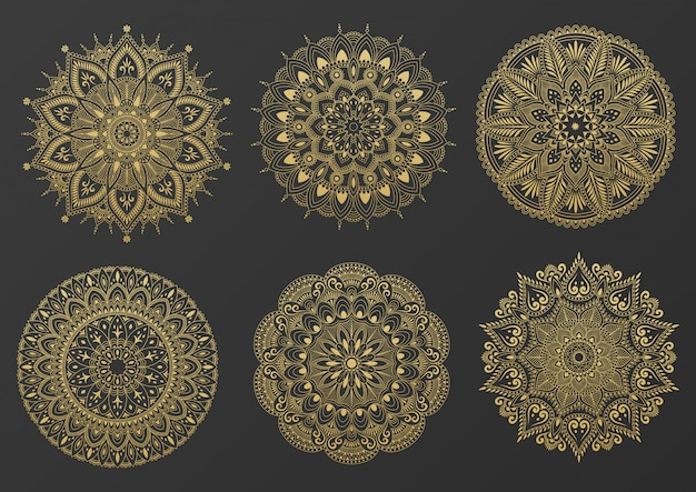 Satz rundes goldverzierungsmandala. mandala mit blumenmustern. yoga-vorlage. illustration