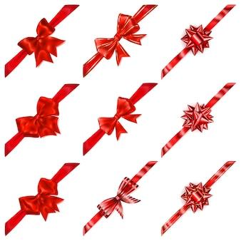 Satz schöne rote schleifen mit diagonalen bändern mit schatten
