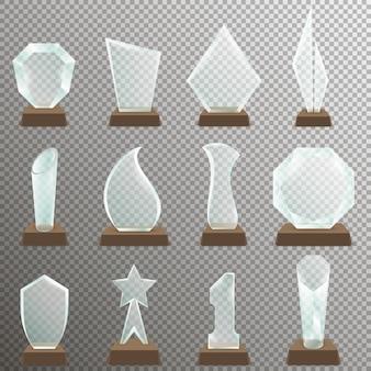 Satz transparente trophäenglaspreise mit hölzernem stand. glastrophäenpreise im realistischen stil.