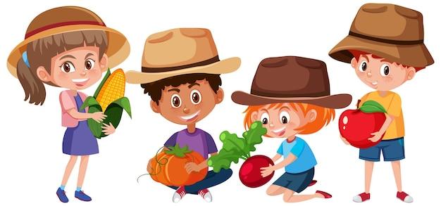 Satz verschiedene kinder, die obst oder gemüse lokalisiert halten