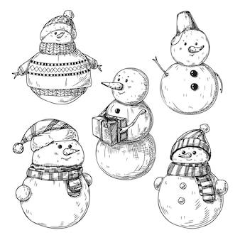 Satz verschiedene schneemänner getrennt auf weißem hintergrund. skizze, handgezeichnete illustration