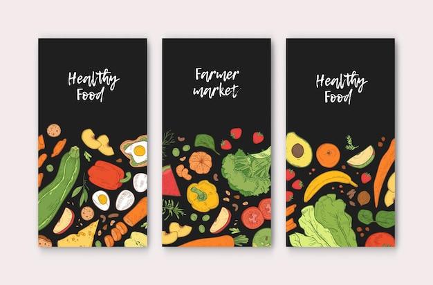 Satz vertikale banner-vorlagen mit gesundem essen, frischen köstlichen reifen früchten und gemüse auf schwarzem hintergrund. handgezeichnete realistische vektorgrafik für bauernmarktwerbung, promo.
