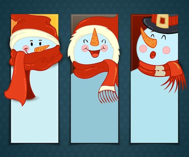 Satz vertikale weihnachtsfahnen mit cartoon-schneemännern in hüten und schals