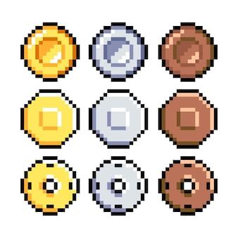 Satz von 8-bit-pixel-grafiksymbolenisolierte vektorillustrationspiel-kunstmünzen aus bronze-goldsilber