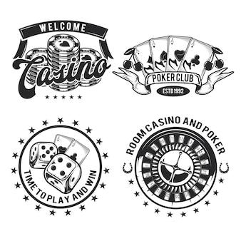 Satz von casino-elementen (karten, chips und roulette) embleme, etiketten, abzeichen, logos. auf weiß isoliert
